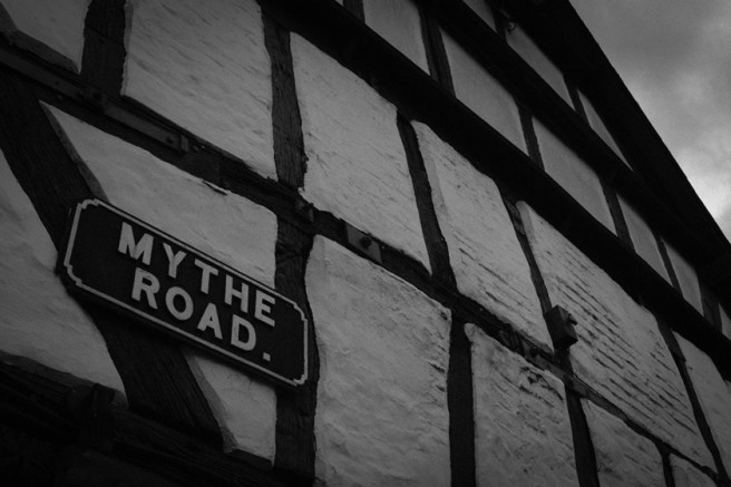 Road sign: MYTHE ROAD.