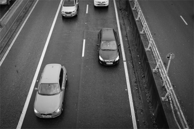 Cars on the M32